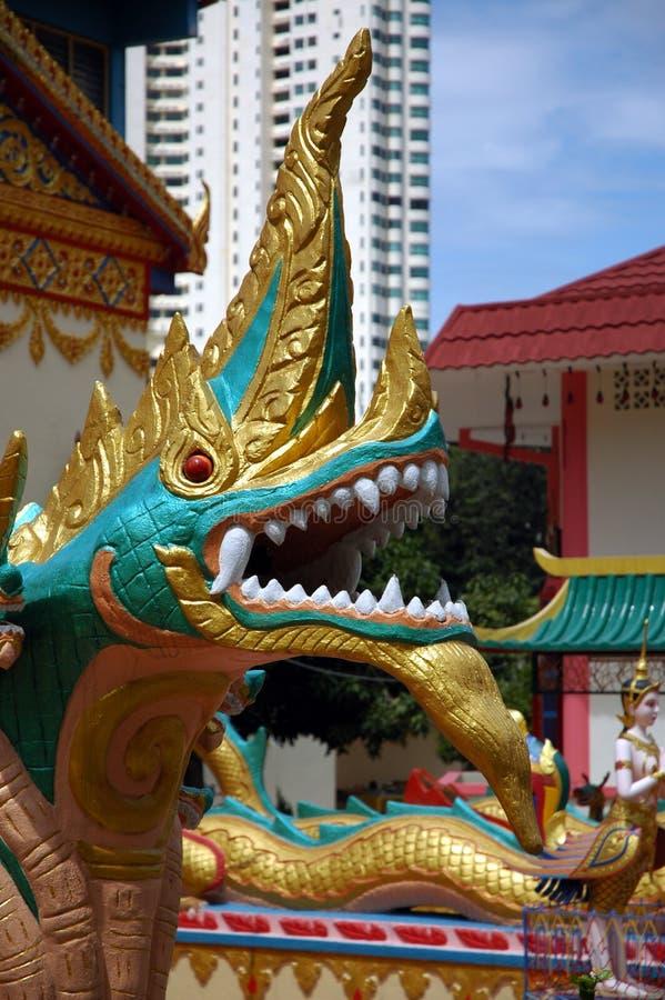 бирманский висок статуи S Стоковые Изображения