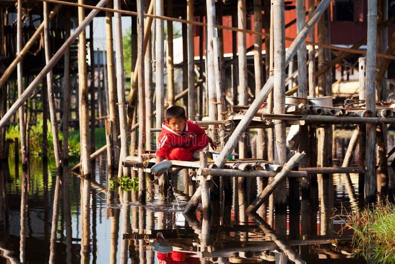 Бирманский мальчик стоковое изображение rf
