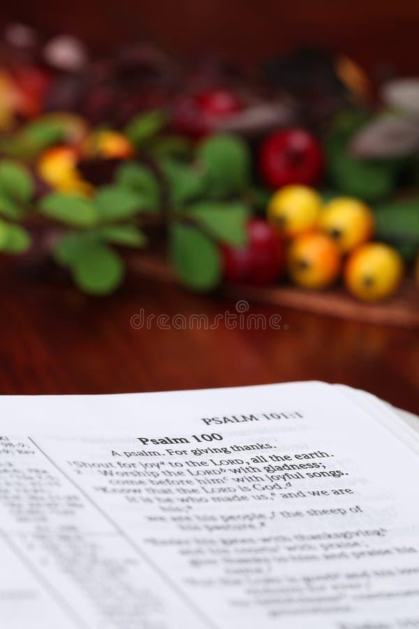 благодарение библии стоковое изображение rf