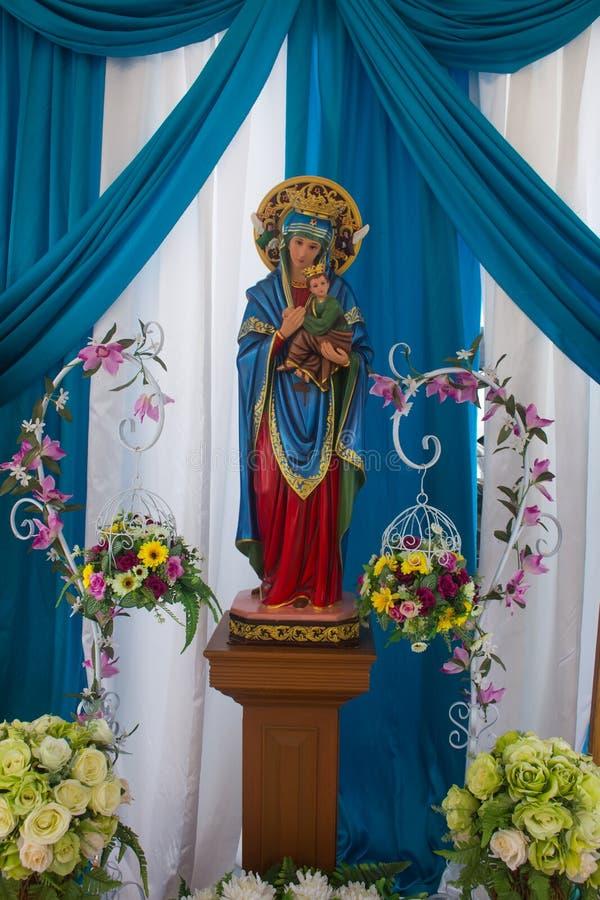 Благословленная дева мария с младенцем Иисусом стоковое изображение