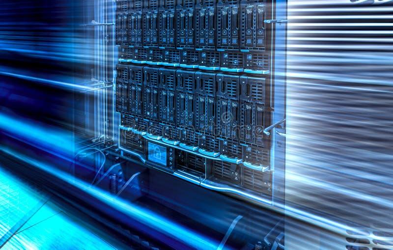 Близкий вверх на переводе влияния 3d движения запоминающего устройства жесткого диска серверов рабочих данных стоковые фотографии rf