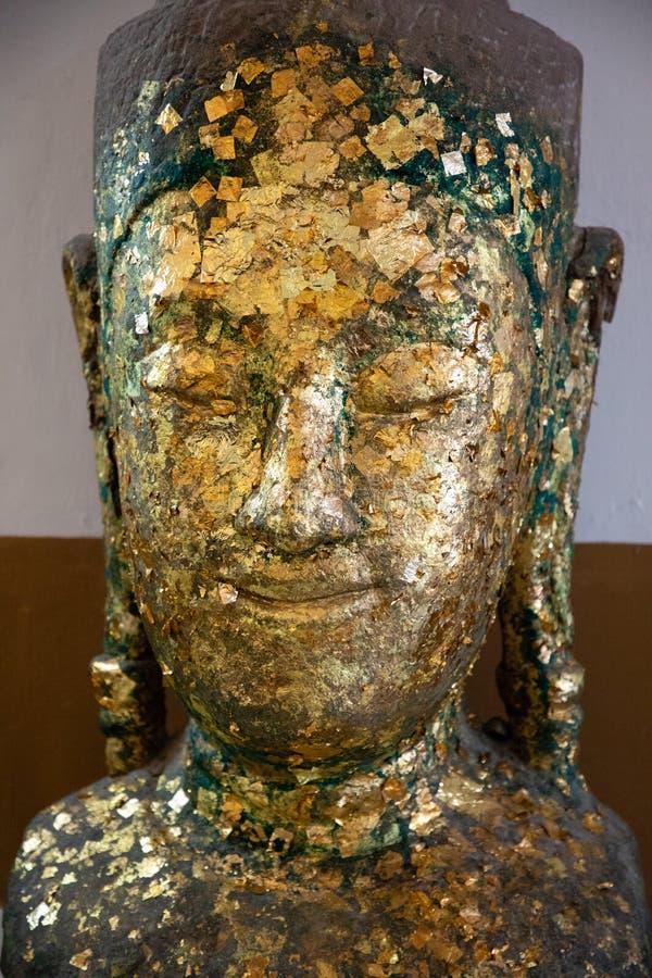 Близкий взгляд стороны старого Будды стоковые изображения