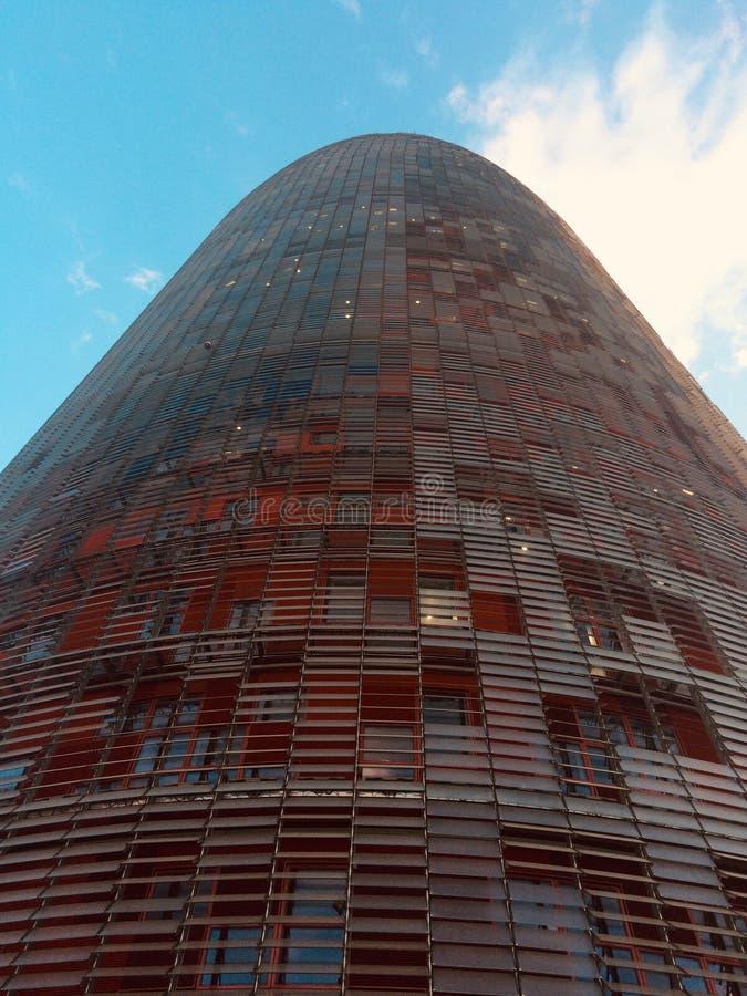 Близкий взгляд Torre Agbar, Барселоны, Испании стоковые изображения rf