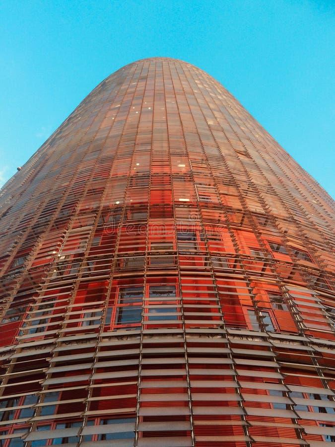 Близкий взгляд Torre Agbar, Барселоны, Испании стоковая фотография