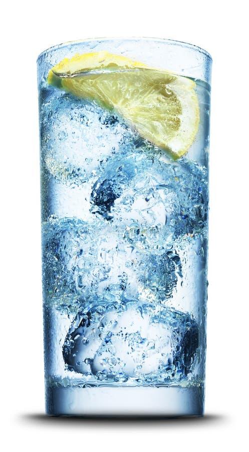 близкий лимон льда питья отрезает вверх стоковые фотографии rf
