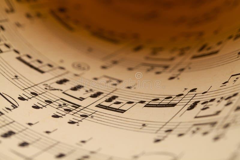 Близкий поднимающий вверх лист музыки стоковые фотографии rf