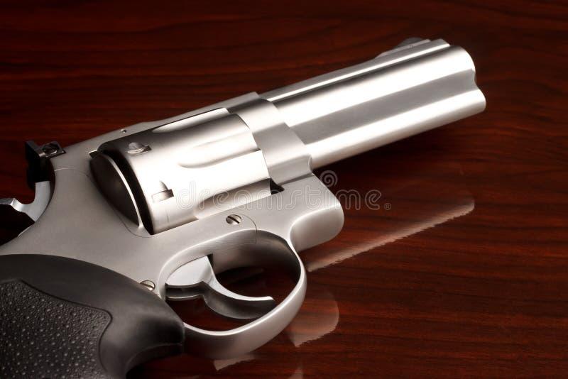 близкий револьвер вверх стоковые фотографии rf