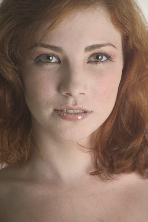 близкий симпатичный redhead вверх стоковые изображения rf