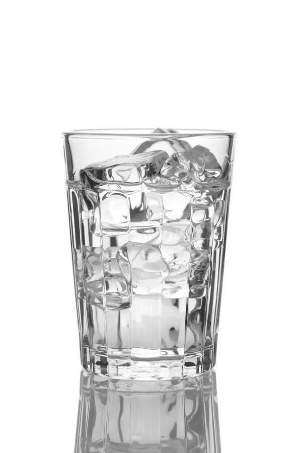 близкий стеклянный льдед вверх по воде стоковое фото