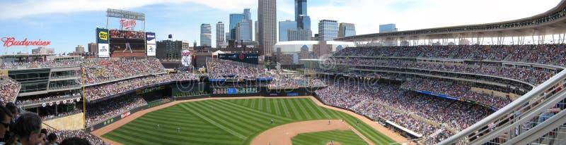 близнецы цели стадиона Минесоты поля бейсбола стоковое фото