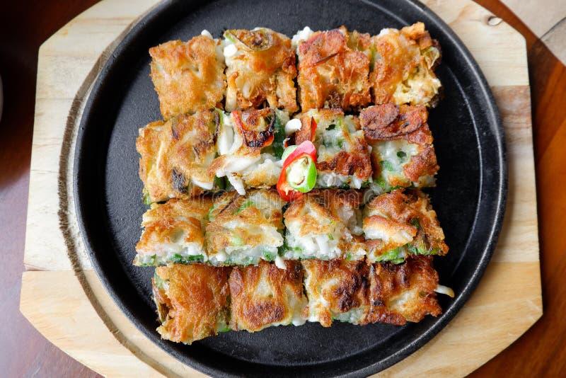 Блинчик стиля Кореи, зажаренная еда в ресторане стоковые изображения rf