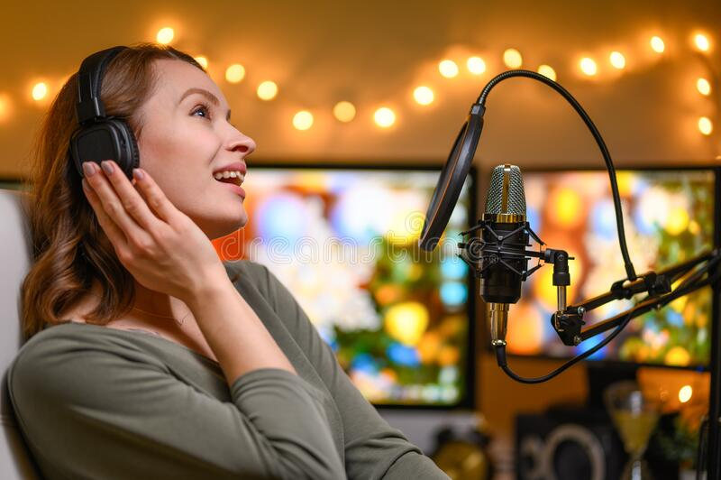 Работа для девушке на радио работа для девушек в москве на авито