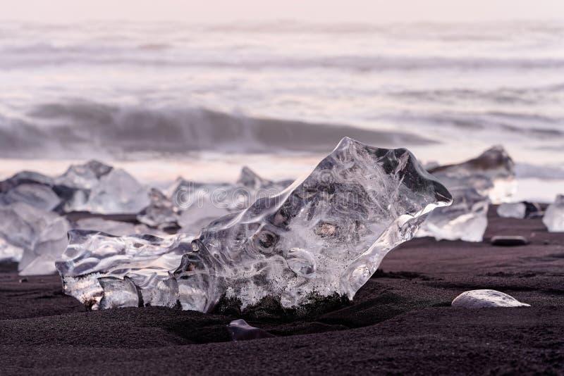 Блоки льда в выравниваясь свете стоковая фотография rf
