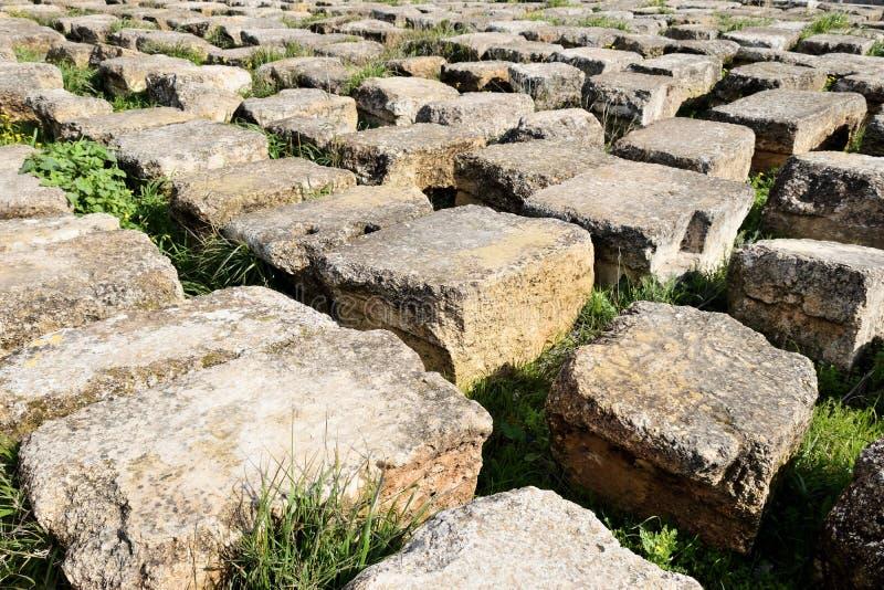 Блоки разрушенного греко-римского города, Иордания стоковая фотография rf
