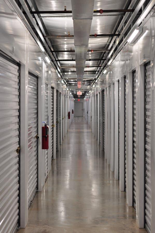 Блок памяти от вниз с Hall стоковое изображение rf