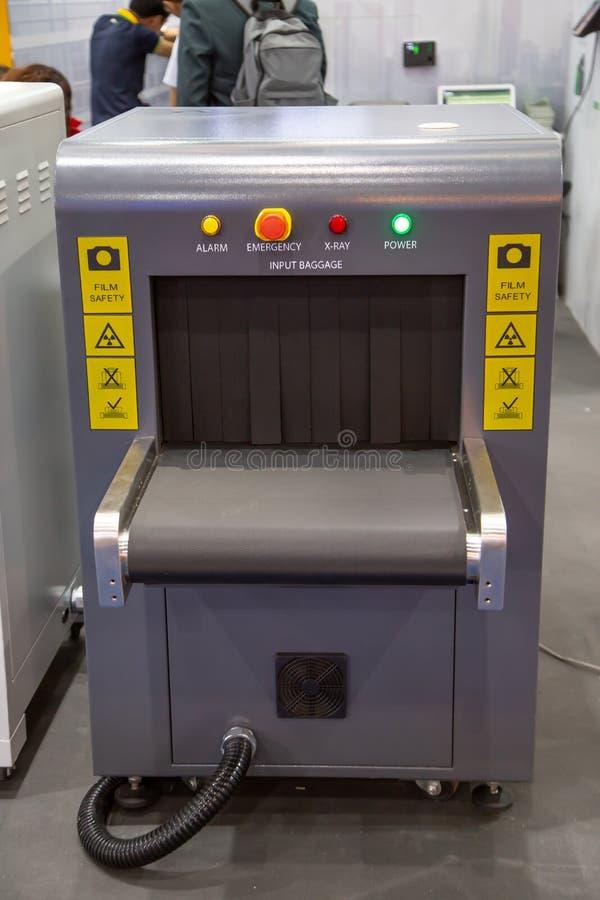 Блок развертки багажа рентгеновского снимка стоковое изображение
