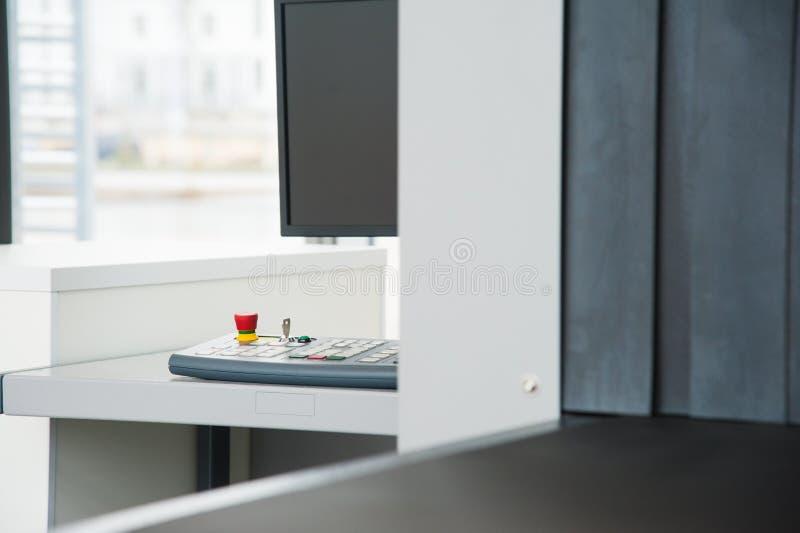 Блок развертки рентгеновского снимка на контрольно-пропускном пункте безопасностью стоковое фото
