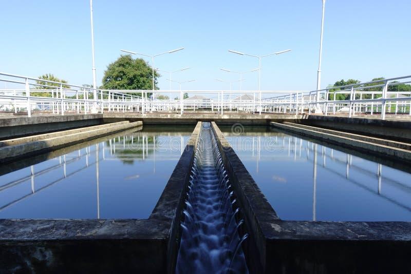Блок седиментирования обычного завода водоочистки стоковая фотография rf