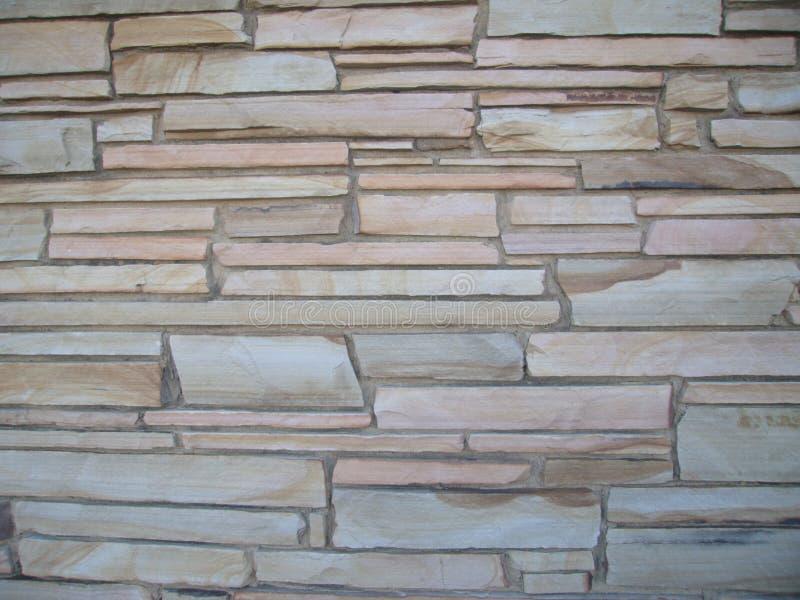 Блочная каменная стена с камнями различных размеров 5 стоковые изображения rf