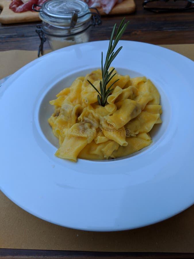 Блюдо макаронных изделий стоковое изображение