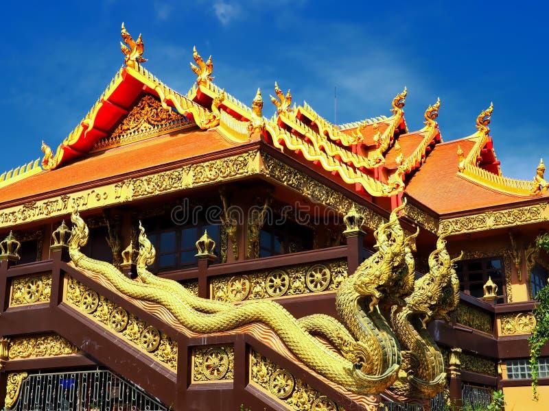 Богато орнаментированный буддийский висок стоковые фото