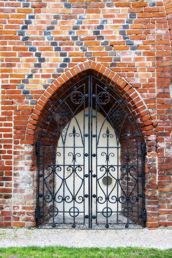 Богато украшенные чугунные элементы украшения ворот металла стоковое фото rf