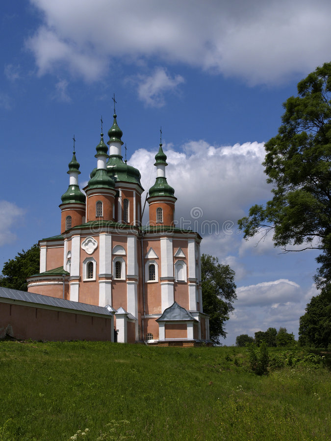 Богато украшенный красный собор стоковое изображение rf