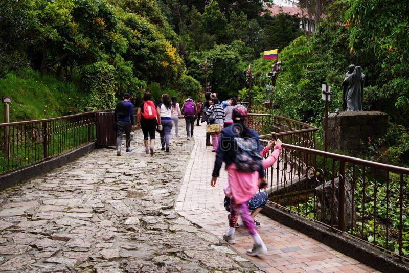 БОГОТА, КОЛУМБИЯ, 29-ОЕ ИЮЛЯ 2018: Путь паломников к Monserrate стоковые фото