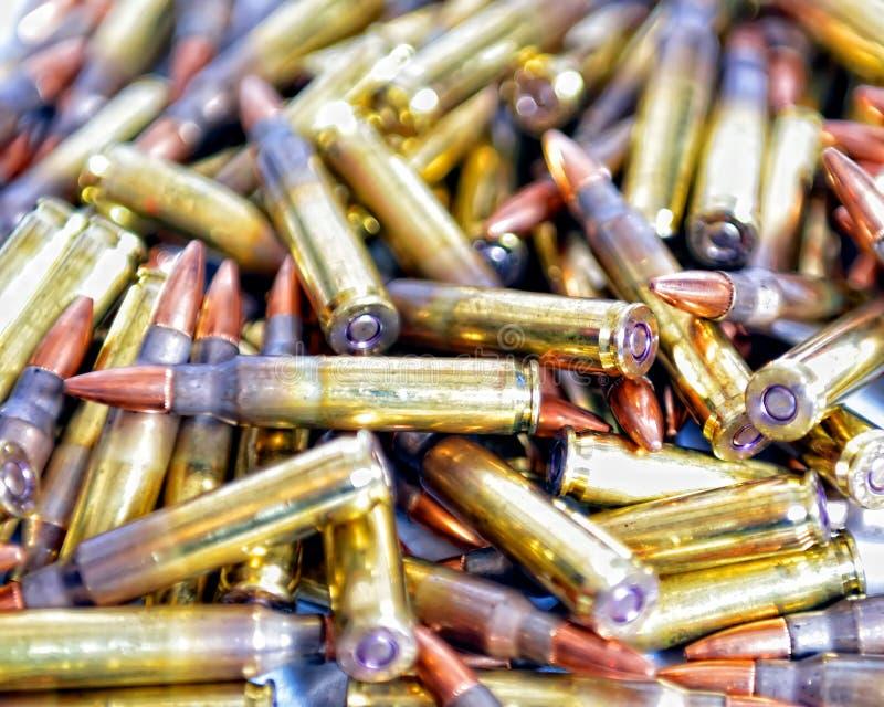 Боеприпасы винтовки стоковые изображения rf