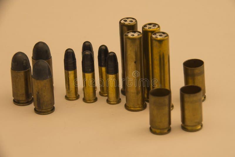 Боеприпасы и пули стоковые изображения rf
