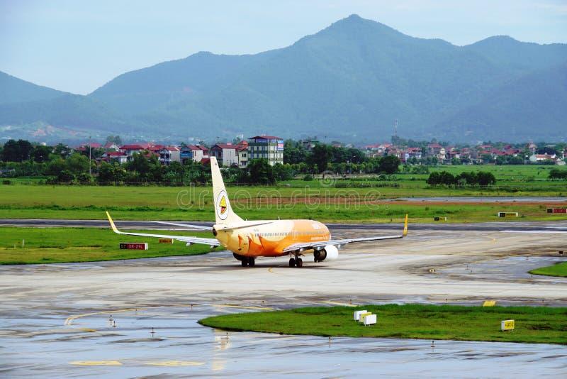 Боинг 737-800 от воздуха Nok (DD) стоковое фото rf