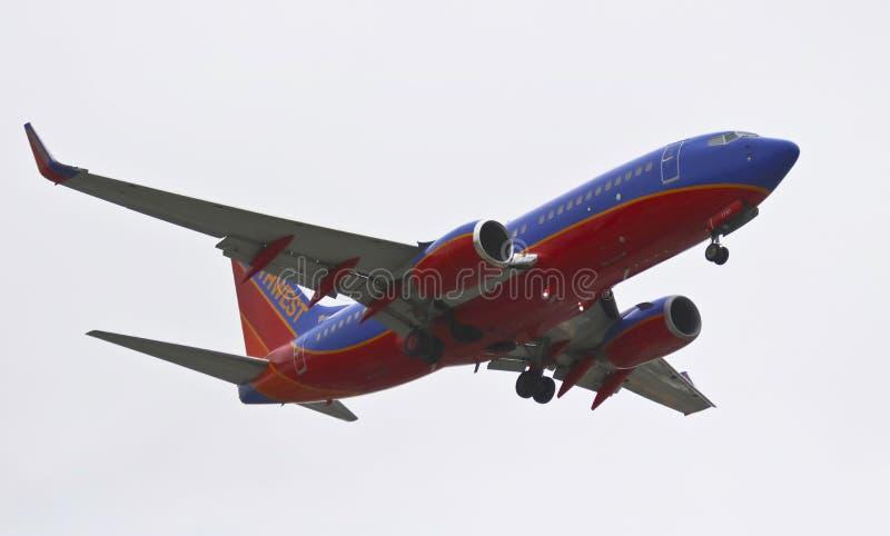 Боинг 737, щитки и замедление передачи посадки стоковые изображения