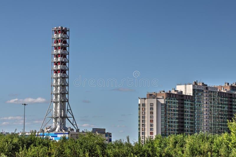 Боилер газа печной трубы промышленный, завод топления района, St Peter стоковая фотография rf