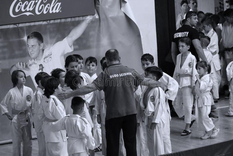 Бойцы с Hanshi на румынском чемпионате, младшие Jiu Jitsu, май 2018 стоковые изображения rf