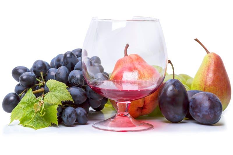 Вино и фрукты: сочетаемость и правила подачи на стол | 533x800