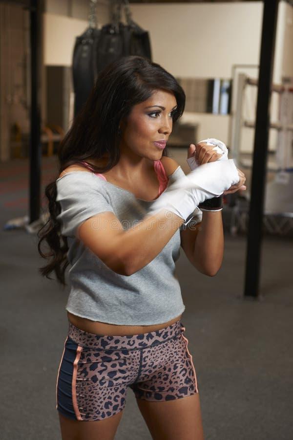Download Бокс красоты Latina стоковое изображение. изображение насчитывающей нутряно - 40588335