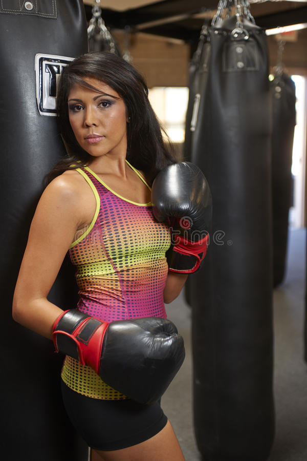 Download Бокс красоты Latina стоковое изображение. изображение насчитывающей коробки - 40588347
