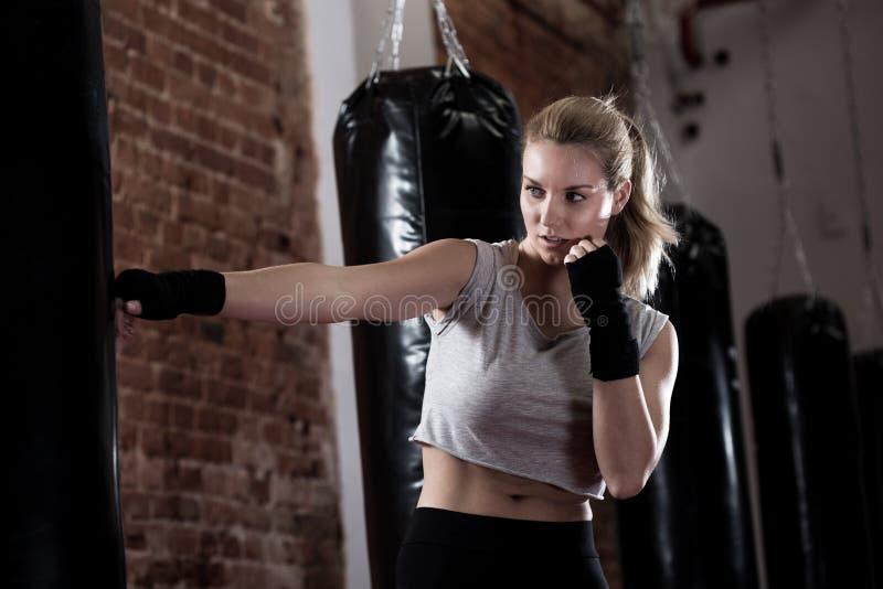 Тренировки по боксу дома для начинающих