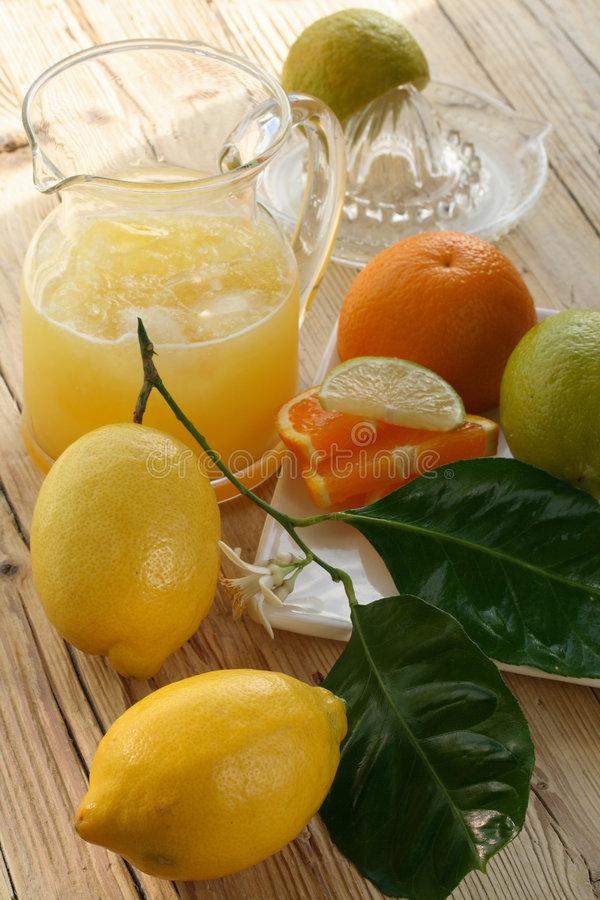 более холодный лимонад стоковое изображение rf