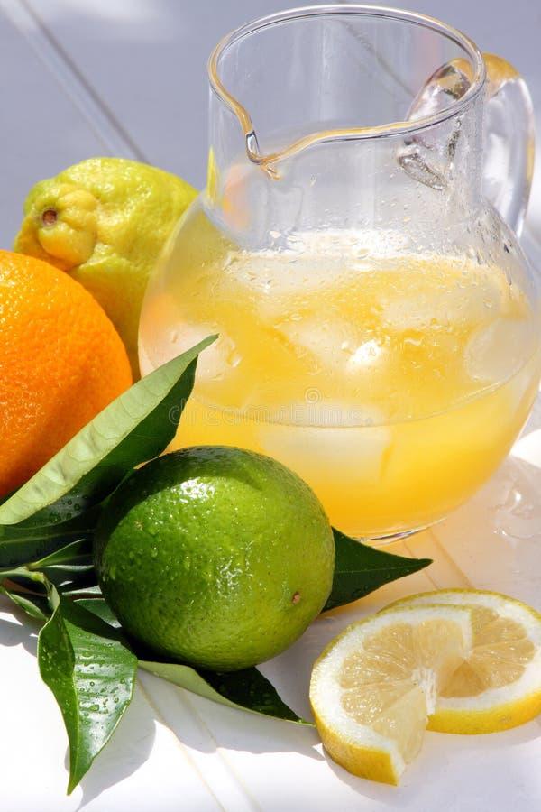 более холодный лимонад стоковое изображение