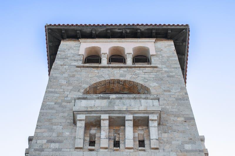 Большая башня церковного колокола на острове Родоса в городке грека Родоса стоковое фото