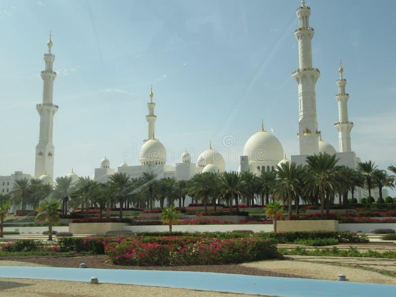 Большая мечеть Абу-Даби, ОАЭ стоковые фото