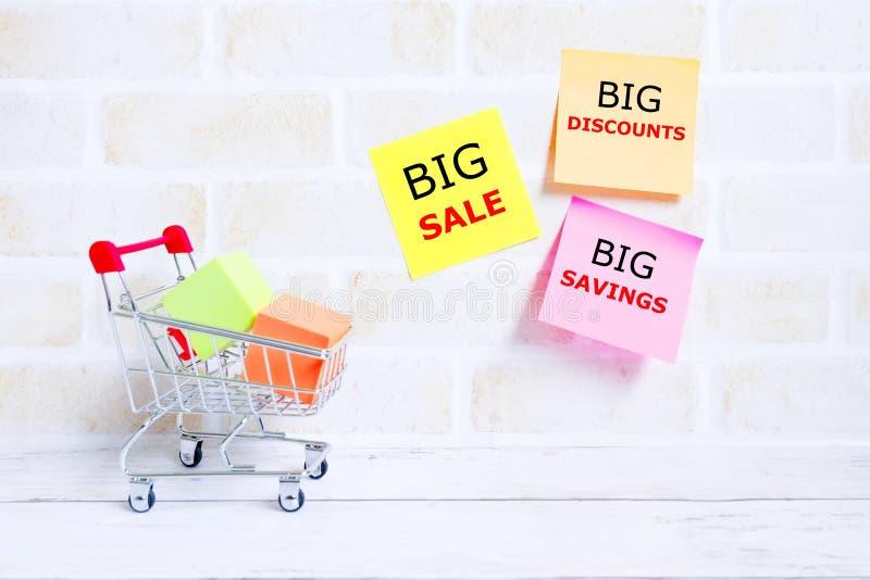 Большая продажа, большие скидки, большие сбережения стоковое фото rf