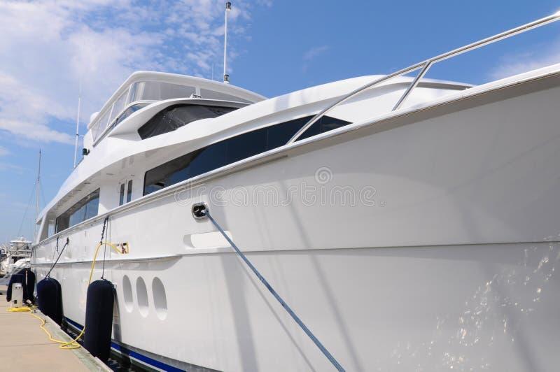 Большая роскошная яхта стоковое изображение