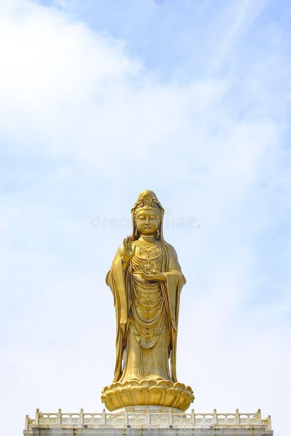 Большая статуя бодхисаттвы Guanyin в горе Putuo стоковые фотографии rf
