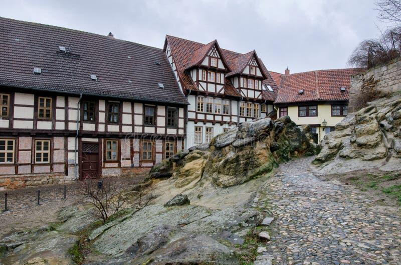 Большие горные породы в старом городке Кведлинбурга стоковое изображение