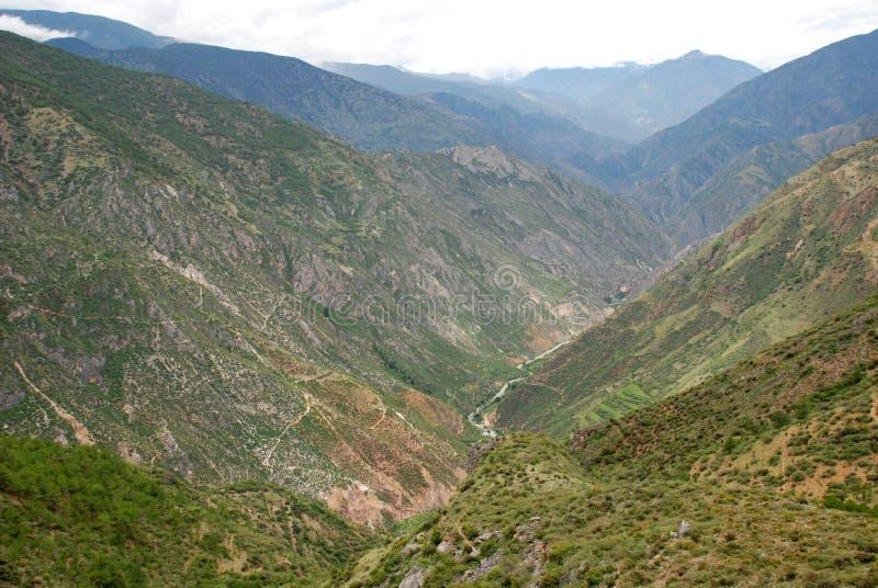 большие горы Тибет стоковые изображения rf