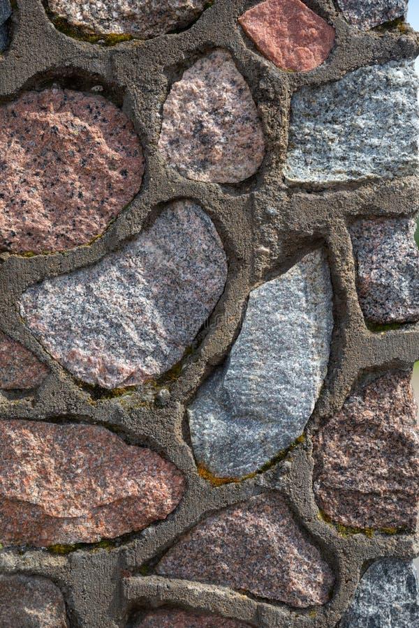 Большие камни в конкретной предпосылке стоковое изображение rf