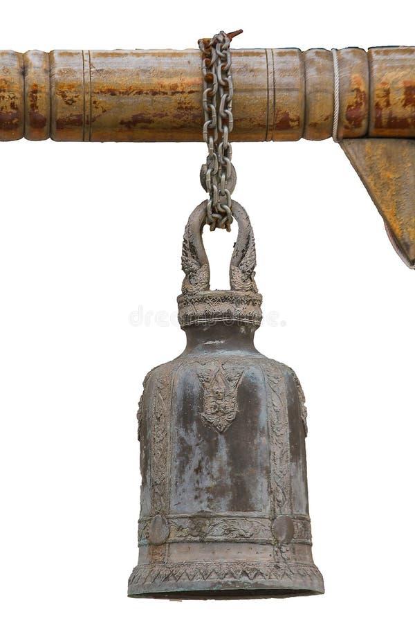 Большие латунные колоколы обыкновенно повешены в тайских висках стоковое фото rf