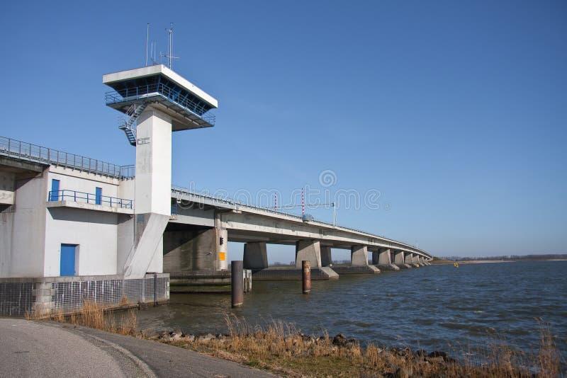 большие Нидерланды бетона моста стоковые изображения rf